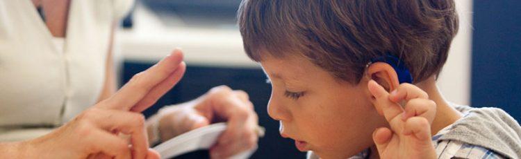 A surdez na escola: função da escola para alunos surdos